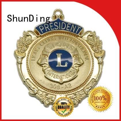 ShunDing Brand souvenir epoxy pin metal badge manufacture