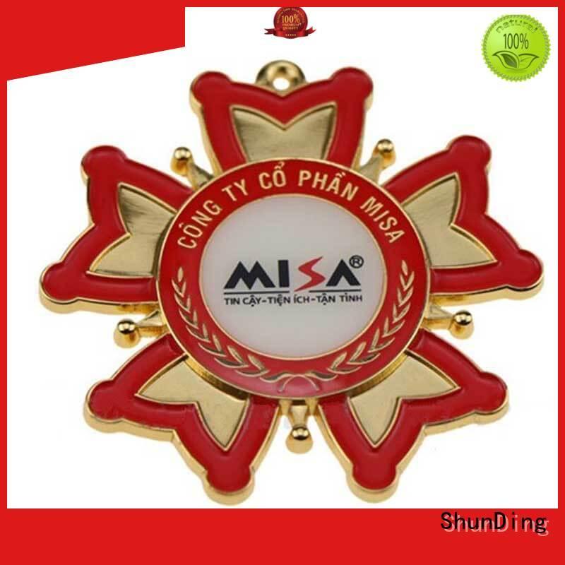 ShunDing Brand style metal badge price factory